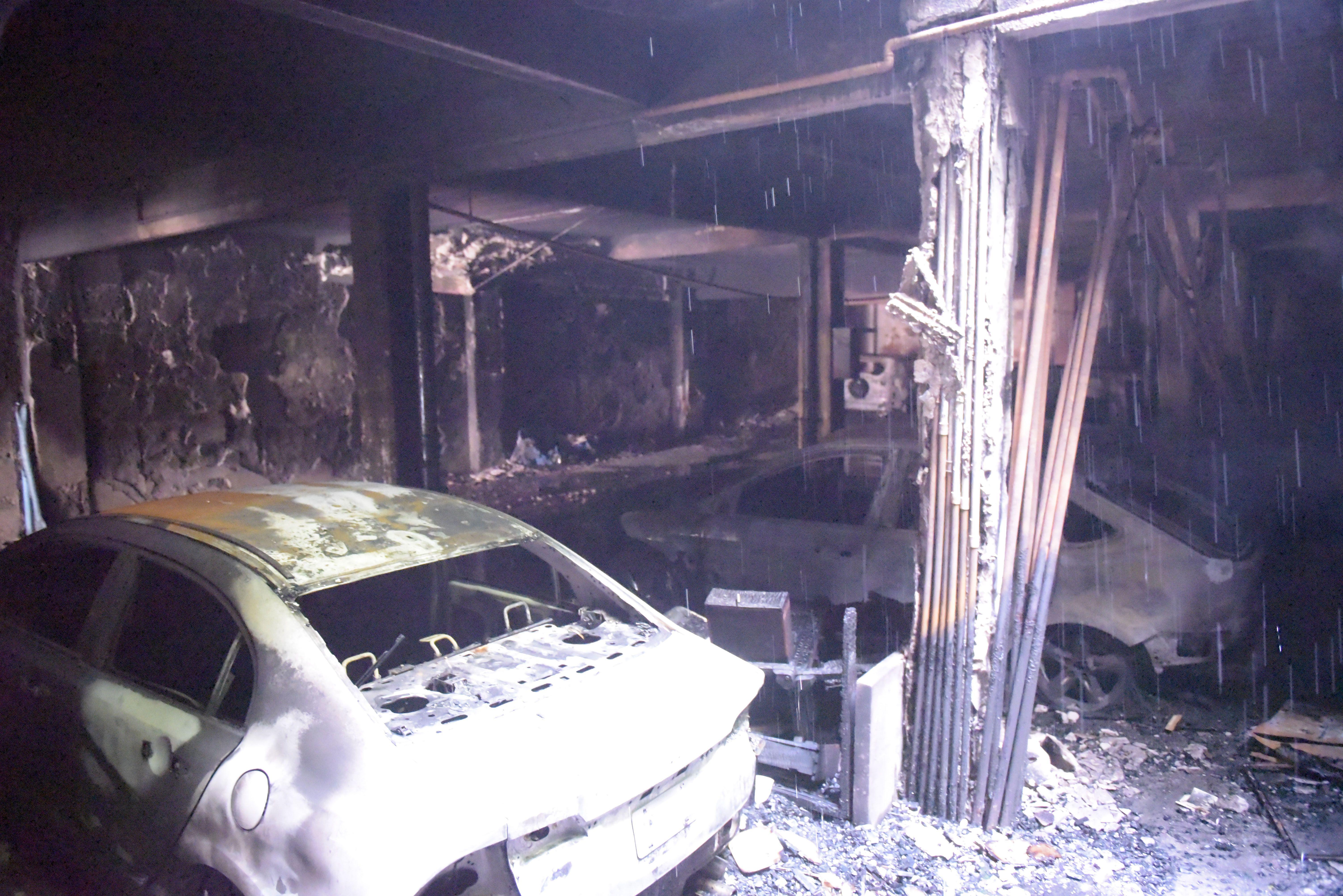 El incendio desatado en la cochera del edificio de Laprida 972