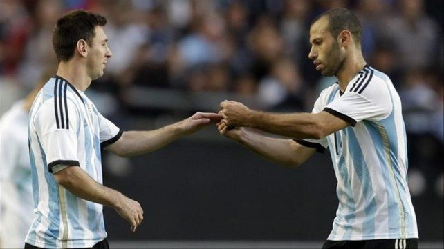 Juntos. Messi y Mascherano compartieron muchos años jugando en la selección nacional.