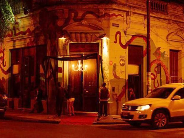 La clausura municipal al bar de Tucumán y Balcarce es preventiva. (Foto: Gustavo de los Ríos / La Capital)