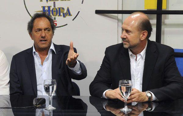 Scioli acompañó a Perotti en su recorrida por Rosario.