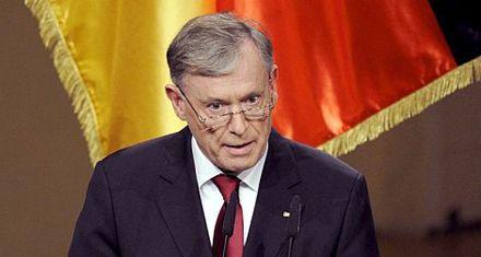 Renunció el presidente alemán tras justificar misión militar en Afganistán
