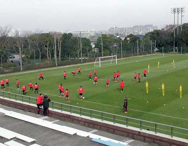 En acción. El plantel de River cumplió con otra sesión de trabajos futbolísticos y Lucho estuvo entre los once.