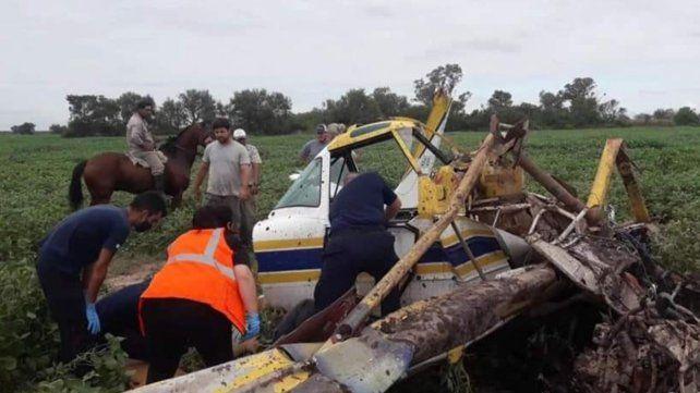 Un exconcejal de Ceres sufrió múltiples fracturas al precipitarse con un avión fumigador