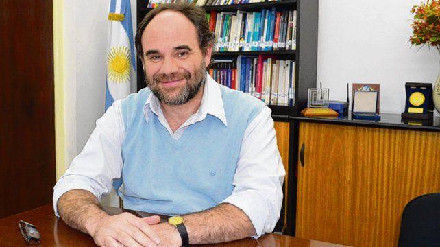Incluir es la tarea. El directivo de la UGR José Luis Aguirre.
