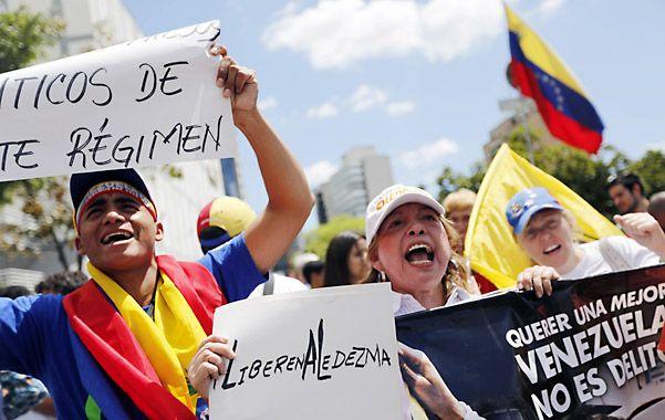 En las calles. Estudiantes piden la liberación de presos políticos