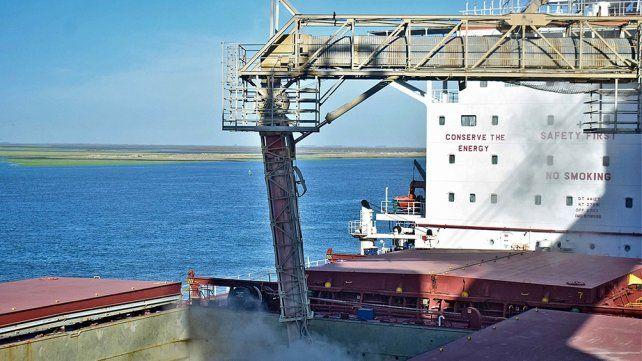 Aseguran que los nodos portuarios de Rosario y Bahía Blanca son complementarios.