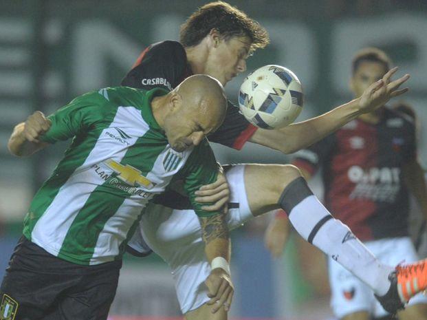 El partido entre Banfield y Colón en el sur bonaerense terminó empatado 1-1.