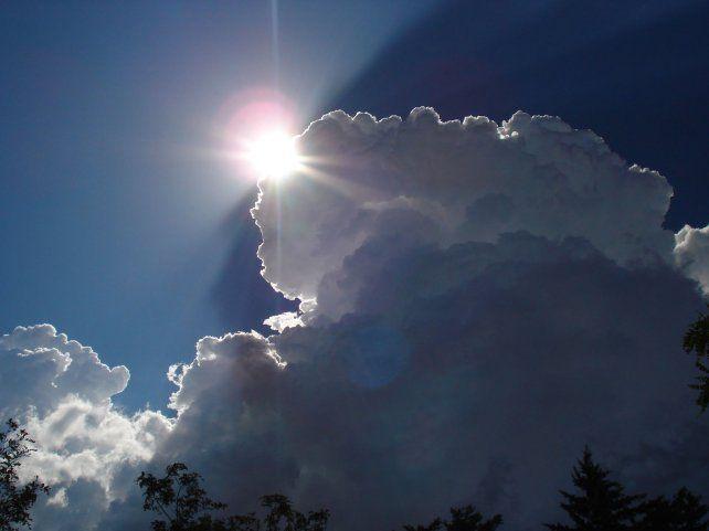Concluyente. Los rayos del Sol pueden reducir el 2% de la cubierta nubosa.