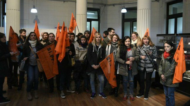Los delegados de Siprus se manifestaron en el Nodo Rosario de Salud.