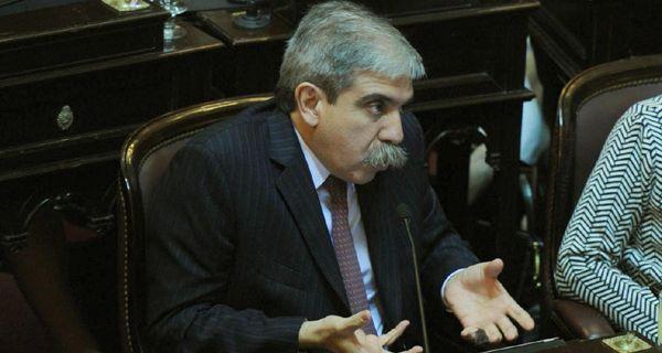 Aníbal Fernández dice que el paro en la Afip es una enormidad y criticó a Moyano