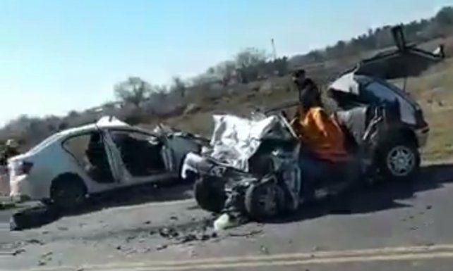 Tres muertos en un choque entre dos autos en la ruta A-012