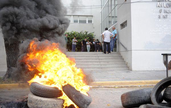 Familiares y amigos de Paula Perassi reclamaron la semana pasada en Tribunales. (foto: Sebastián Suárez Meccia)