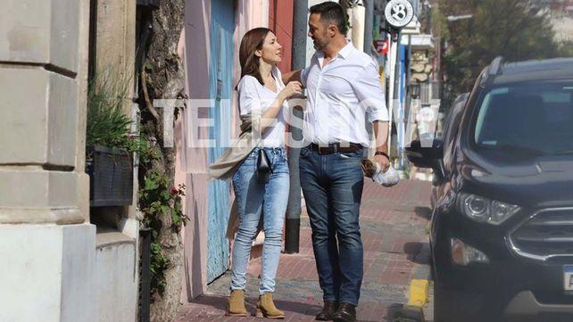 A Cristina Pérez y el diputado Petri se los vio caminando muy acaramelados por las calles de Buenos Aires.