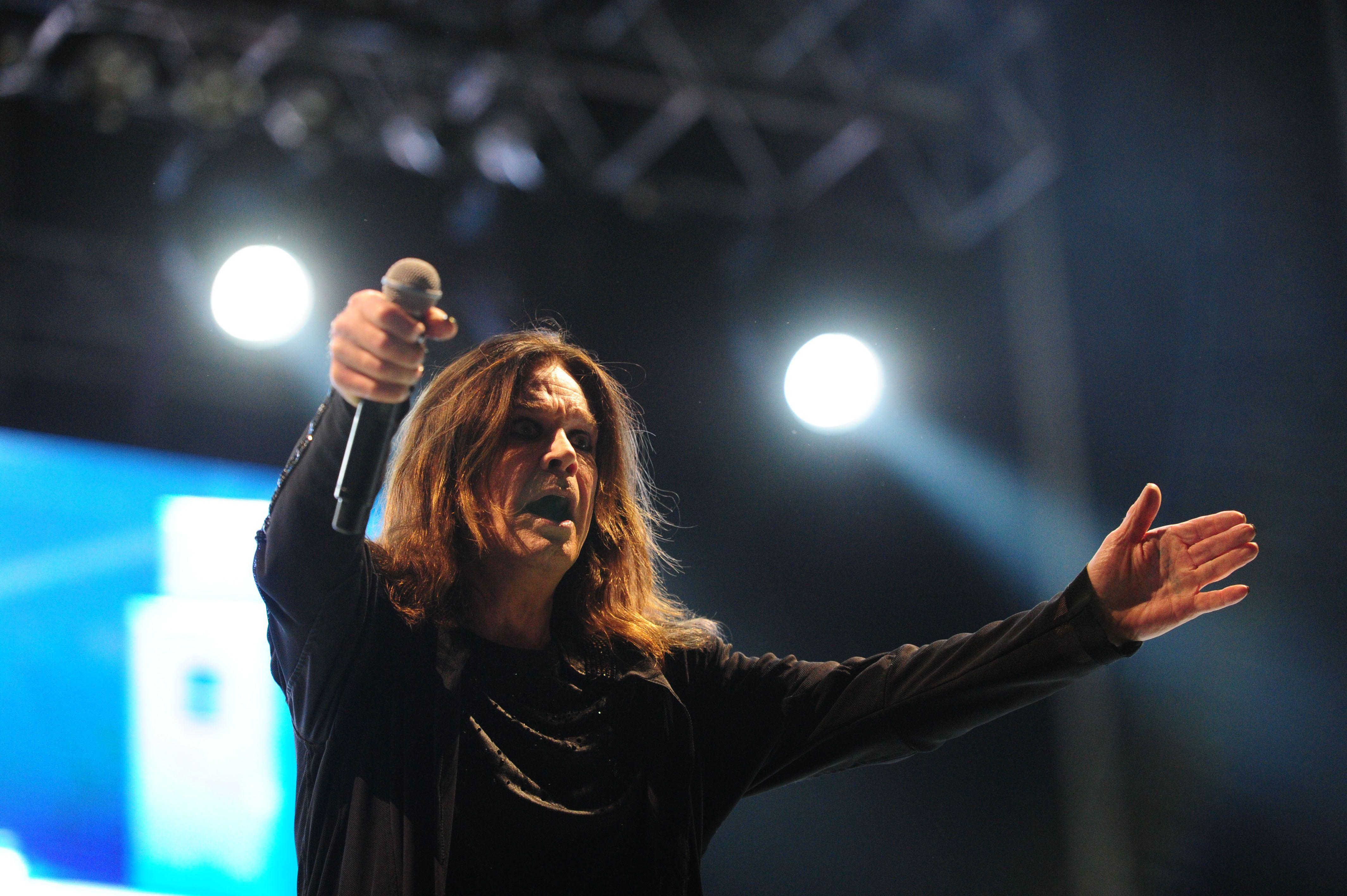 Ozzy Osbourne a sus 66 años se mostró en excelente forma.