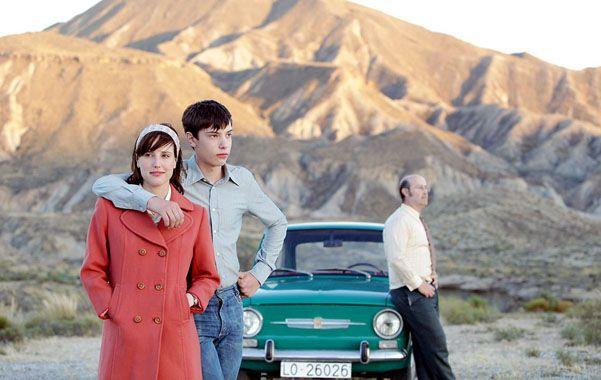 En el camino. La película cuenta la historia de un profesor de inglés que llega a conocer a Lennon en España.