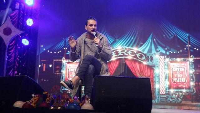 Arjona presentó su nuevo disco y recordó de manera especial su último concierto en Rosario