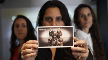 """La foto de cinco chicos huérfanos es una conmovedora imagen que refleja la tragedia ocurrida entre 1915 y 1923. """"Genocidio que se niega, se repite"""", dicen."""