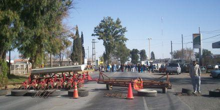 En Gualeguaychú De Angeli pidió paz y calma pero dijo que sigue la protesta