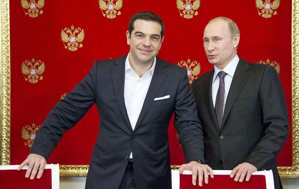 Aliados. El premier Alexis Tsipras visitó a Vladimir Putin en el Kremlin el pasado 8 de abril.