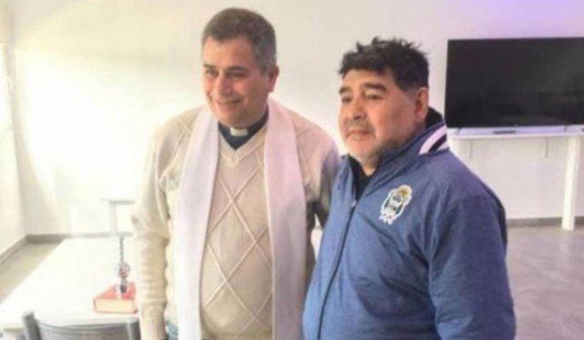 Un sacerdote reveló cuáles fueron las últimas confesiones que le hizo Maradona