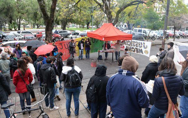 En la calle. Familiares de víctimas de otros crímenes también participaron del reclamo de justicia realizado el viernes. (foto: Ángel Amaya)