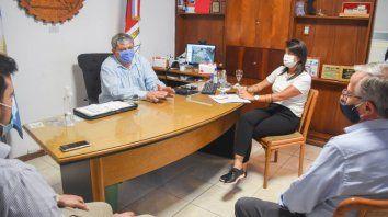 Encuentro. El intendente Alberto Ricci y el secretario de Transporte de la provincia, Osvaldo Miatello, se reunieron este lunes en la Municipalidad de Villa Gobernador Gálvez.