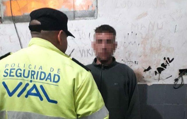 Una patrulla de la Policía de Seguridad Vial detuvo esta madrugada al asaltante de un taxista.