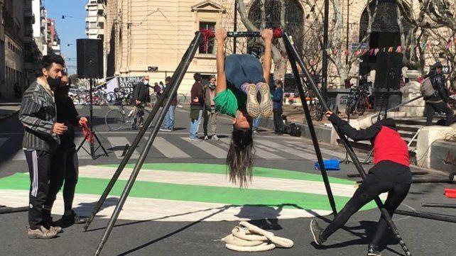 Artistas callejeros piden que los dejen trabajar y que no los repriman