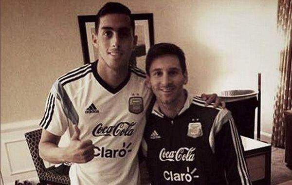 Ramiro Funes Mori junto con Lionel Messi. (Foto:Twitter)