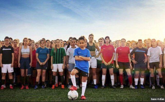 Fútbol femenino: Las chicas ponen la cara