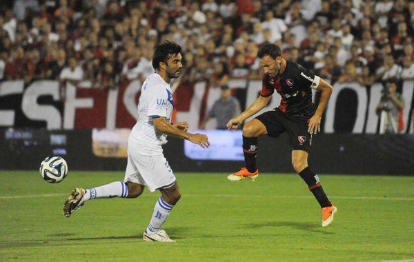 Con jerarquía y contundencia, Newells se regaló una fiesta de goles ante Vélez