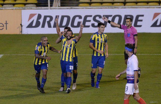 Gamba celebra su gol