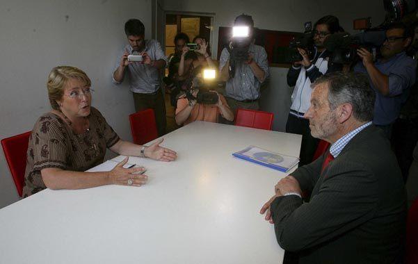 Giro a la izquierda. El senador derechista Horvath se reunió con Bachelet