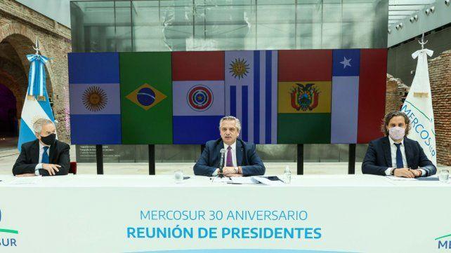 Alberto Fernández encabezó el encuentro virtual por el aniversario del bloque regional.