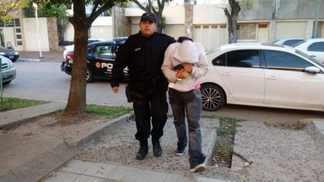 Esposado. El camionero Juan Pablo M. es uno de los detenidos.