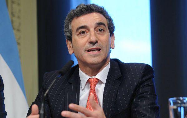 """Florencio Randazzo le dijo al gobernador Scioli que """"si tiene difrencias con la presidenta las tendría que expresar""""."""