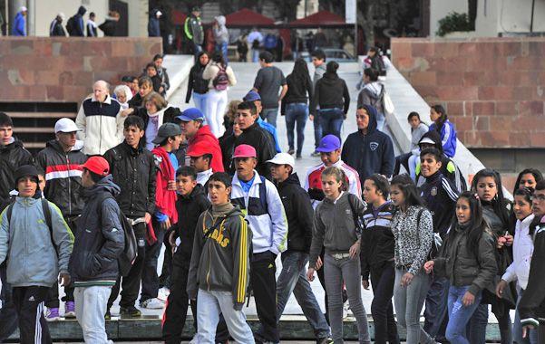 La cantidad de chicos que abandona la secundaria es motivo de preocupación en la Legislatura.