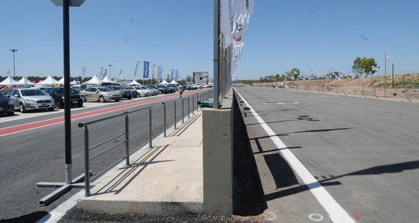 La defensa del autódromo se sustenta en que el bien público siempre está delante del particular