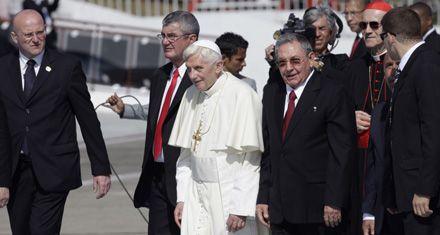 El Papa llegó a Cuba y pidió por una sociedad abierta y renovada
