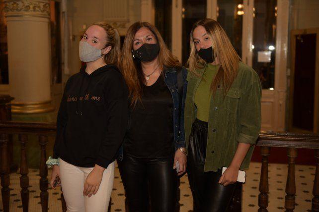 Guadalupe Brotto, Marcela Nuñez y Victoria Brotto
