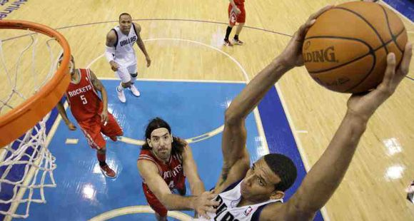 NBA: la gran tarea de Scola no le alcanzó a Houston