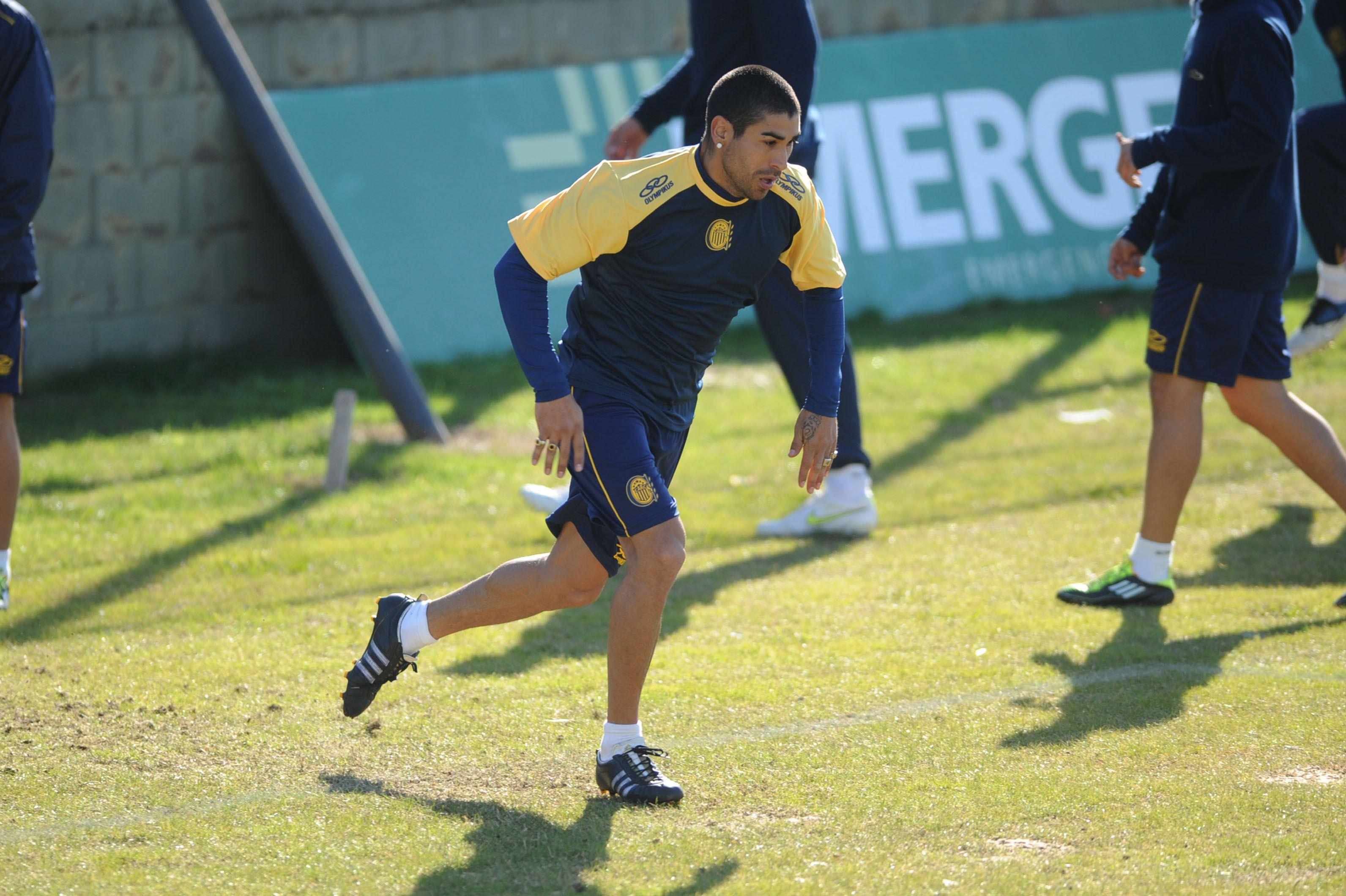 Méndez no entrenó en Central porque no logró acordar su contrato con Boca