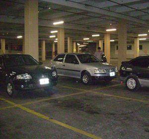 El estacionamiento del Portar Rosario Shopping.