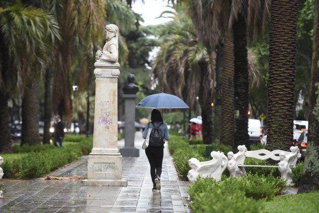 Este miércoles habrá que salir con paraguas y no archivarlo hasta después del fin de semana.