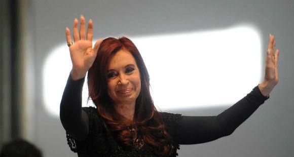 Cristina no pudo volar hoy por las cenizas y prometió que viene el martes a Santa Fe