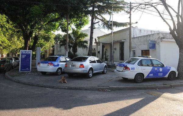 Los presos escaparon por la puerta de la seccional de Sarmiento al 4300. l.a mayoría está imputado por robo calificado y uno solo por homicidio.(S.Meccia)