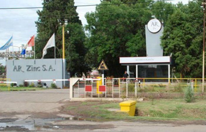Crisis laboral. La planta química Ar-Zinc de Fray Luis Beltrán cerró esta semana y dejó a 400 trabajadores en la calle.