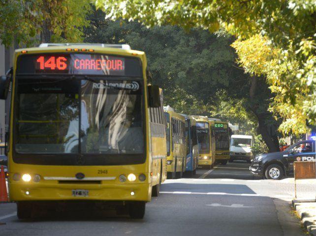 Otra demora en el pago a los choferes: se asoma un nuevo paro de colectivos en Rosario