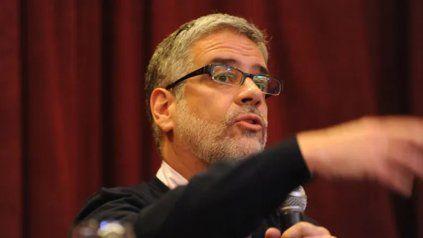Feletti, titular de Comercio Interior de la Nacion, dispuso el congelamiento de precios ante la falta de acuerdo con empresarios.