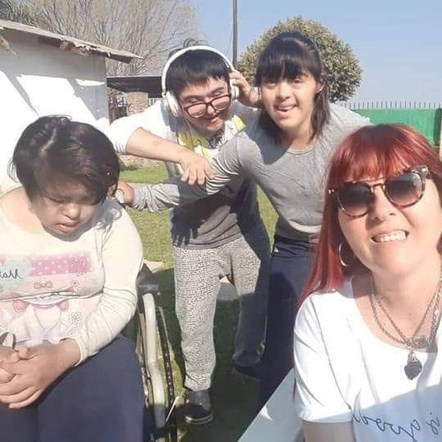Alicia y sus hijos. Evelyn